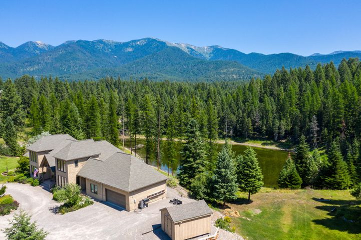 379 Lake Loop Drive, Kalispell, MT 59901