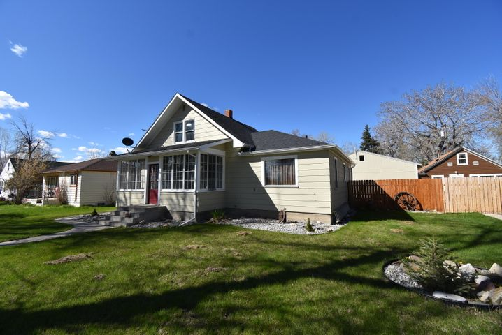 118 2nd Ave Sw, Choteau, MT 59422