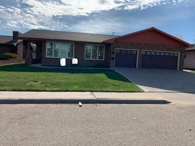 309 13th Avenue S, Cut Bank, MT 59427