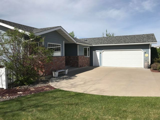 400 30th Avenue N E, Great Falls, MT 59404