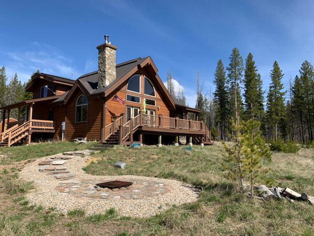 10 Blue Jay Lane, Anaconda, MT 59711