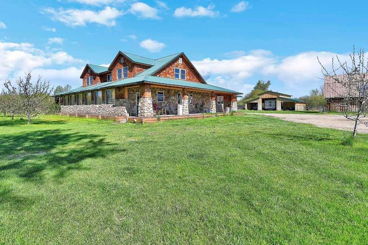 601 Edgewood Lane, Deer Lodge, MT 59722
