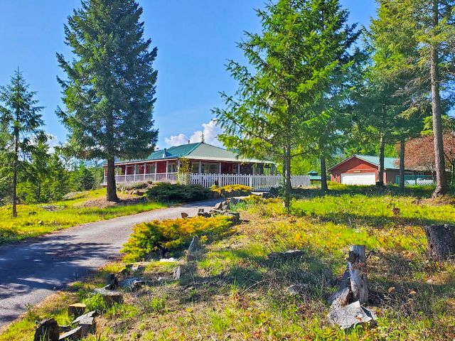 11 Moose Pond Lane W, Trout Creek, MT 59874