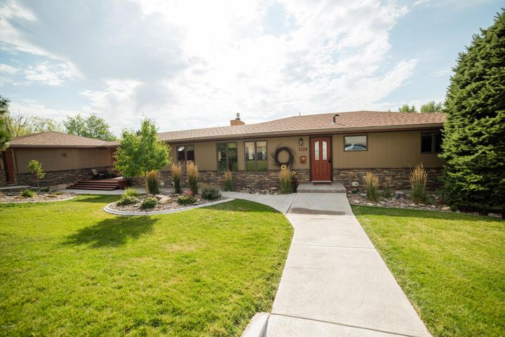 1128 Valley View Drive, Great Falls, MT 59404