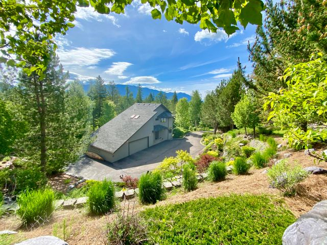 395 Golf Course Drive, Columbia Falls, MT 59912