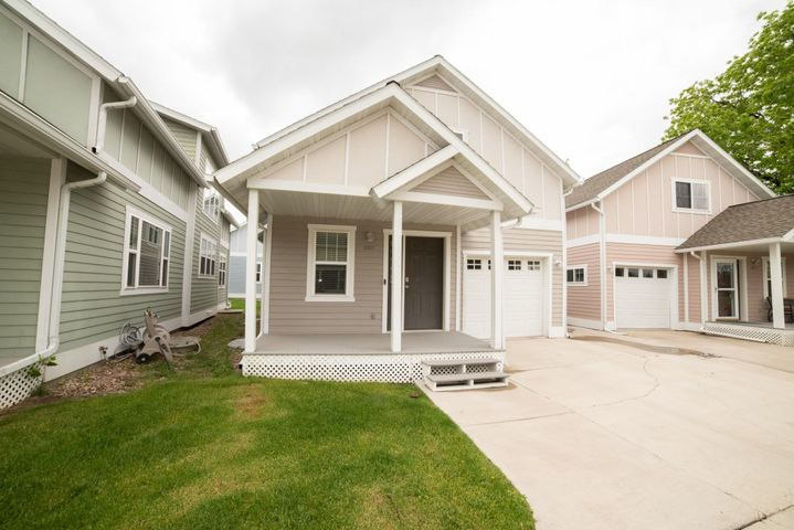 2302 Northern Lights Drive, Great Falls, MT 59401