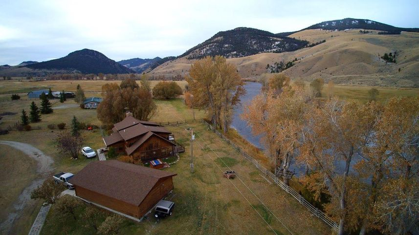 787 S River Road, Divide, MT 59727