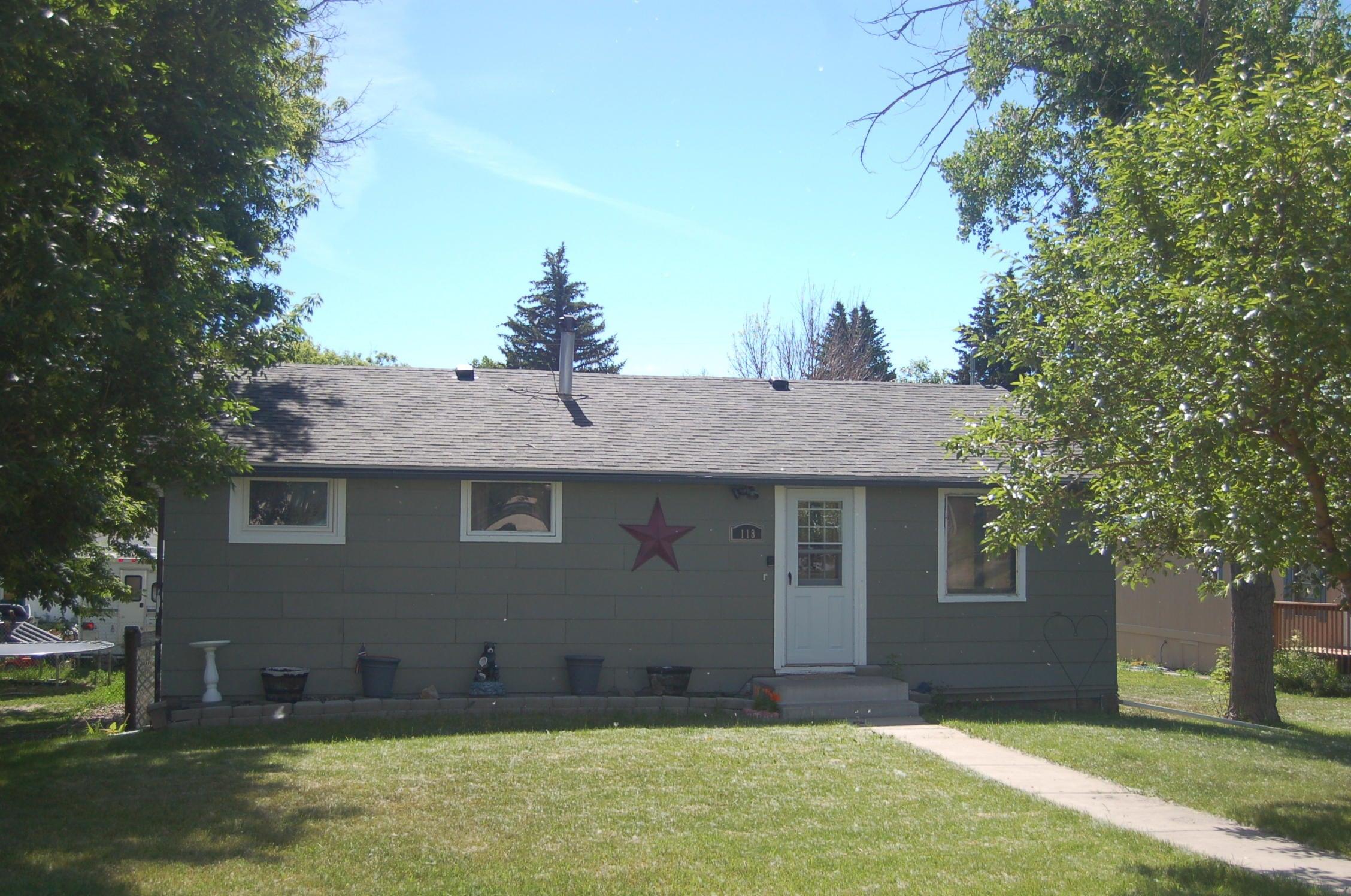 118 3rd Street N, Cascade, MT 59421