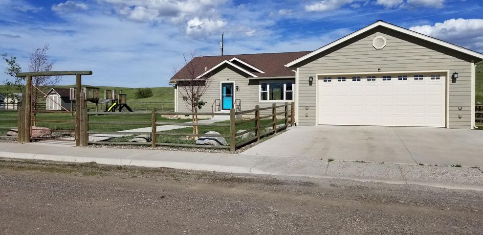 1144 Sanders Avenue, Shelby, MT 59474