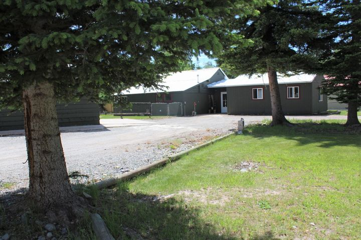 4241 Sherlock Lane, Lincoln, MT 59639