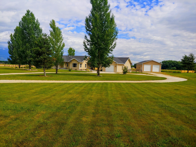 588 Willow Creek Road, Corvallis, MT 59828