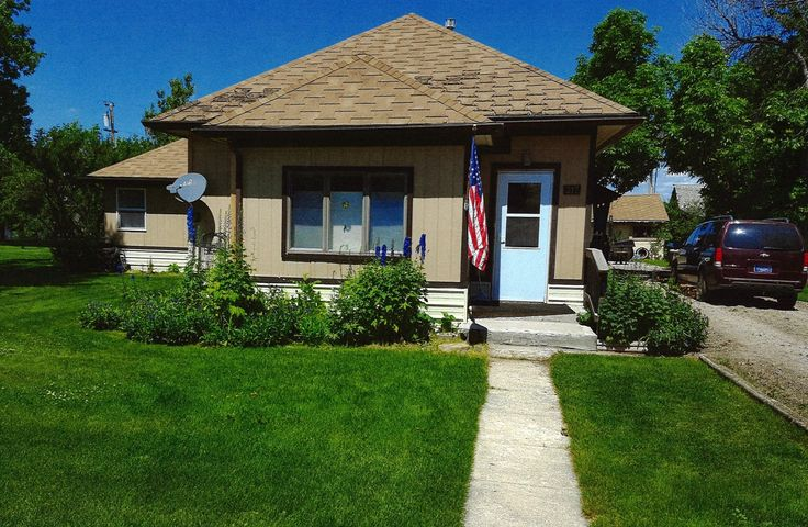 Come in!  See what this home has to offer!  Seller updated the kitchen, taking the room to the studs!  Installed kitchen appliances, cabinets, counter tops, flooring and lighting.  New flooring and windows were installed throughout the rest of the home.  Additional insulation has been blown in the attic.  Nice concrete stamped patio, raised garden beds all on two lots!  Just minutes away from Lake Frances!  Bob Marshall Wilderness and Glacier National Park aren't far away!Seller offering $8000 roof allowance.