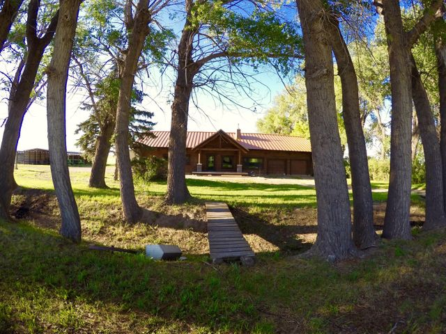 1341 County Line Road, Fairfield, MT 59436
