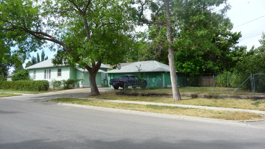 Priced to sell! This home would make a great rental property or an affordable home centrally located and convenient to all the amenities. Located just a few blocks from Oddfellows Park, Gibson Park and Riverside Park all located along the Missouri River for your convenience. Updates include some new asphalt roofing on both the house and garage and new flooring. Two nice size bedrooms, nice open dining and living room area. The yard is already fenced and ready for the pets to move right in.