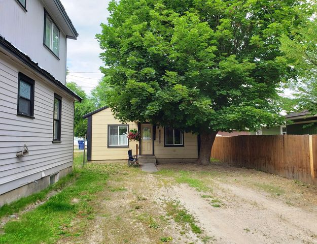 This two bedroom one bath home has everything you need to live comfortably in a well designed efficient space.  Quaint and cozy, this home provides the space needed to live a simpler life, so you have time to enjoy recreating in the beautiful Montana countryside.   With everything located all on one level, this home has the convenience of having everything you need close at hand.  Cozy and comfortable, call for an appointment to see this lovely home today!
