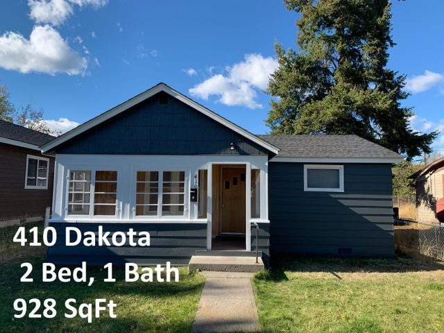 This 2 bedroom, 1 bath, single level home was updated in 2015 with new electrical and a new roof.  The exterior was repainted in 2020. The property is mostly fenced and with a small front yard, there will be minimal lawn care. The back of the property provides plenty of room to add on a carport or garage.  Close to medical facilities. Perfect for the small family or as an investment property.  Call Crawford Dinning at 291-5577 or your real estate professional.