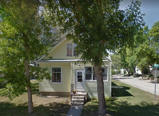 Turnkey investment property! 3 bedroom, 1 bath home situated on a corner lot in Harlowton, Montana. Home features front entryway, tall ceilings throughout, main floor  laundry room, separate dining room, new high efficiency furnace with new flooring in kitchen and dining room. Area recreation opportunities include some of the state's finest fly fishing, upland game birds, antelope, elk and deer hunting, hiking, biking and golfing. Bozeman and Billings airports are under 2 hours away. Lewistown, Montana is to the north just 45 minutes away, which lands you right in the heart of Central Montana for even more recreational activities.