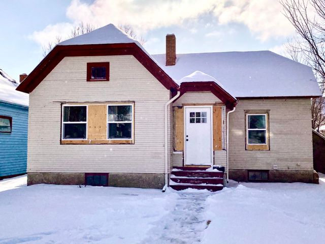 Hang on for the lengthy list of new overhauls on this home! New windows brighten the accommodations; new doors secure entrances and entryways; there is new vinyl plank flooring in the kitchen that complements the vintage glass knobs featured on the kitchen cabinets; entryways have new sheet rock. Along with other thorough completions, extra privacy fencing is included to fully enclose the spacious and large backyard. A small shed is perfect for storage. The home is highlighted by the inviting, original oak hardwood floors.  This lovely home in the heart of Great Falls makes commuting anywhere convenient!