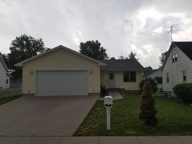 1418 KING AVE AVE, Muscatine, IA 52761