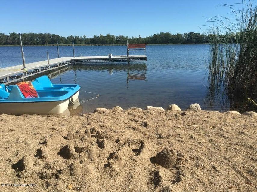 25264 W Meadow Lake