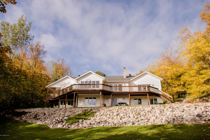21751 NW Pickerel Lake Road, Detroit Lakes, MN 56501