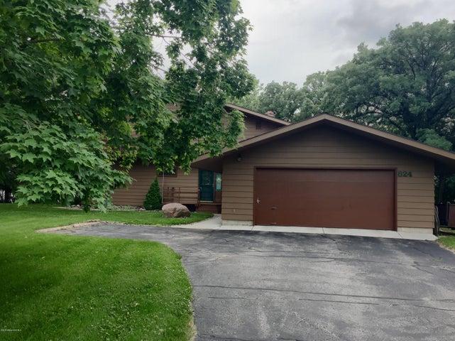 824 Longview Drive, Detroit Lakes, MN 56501
