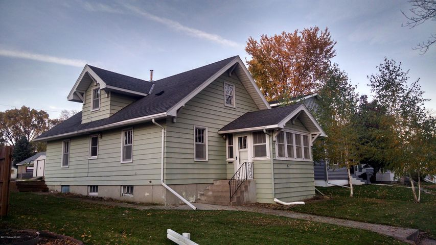 824 W Cavour Avenue, Fergus Falls, MN 56537