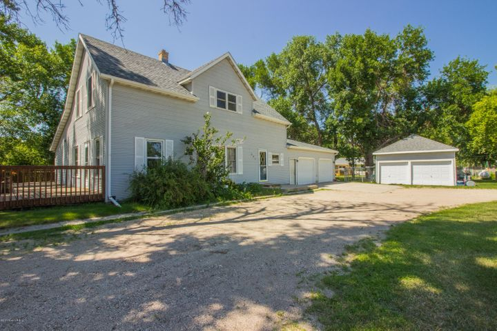 301 2nd Avenue SW, Barnesville, MN 56514