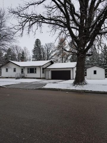 321 W Minnesota Avenue, Mahnomen, MN 56557