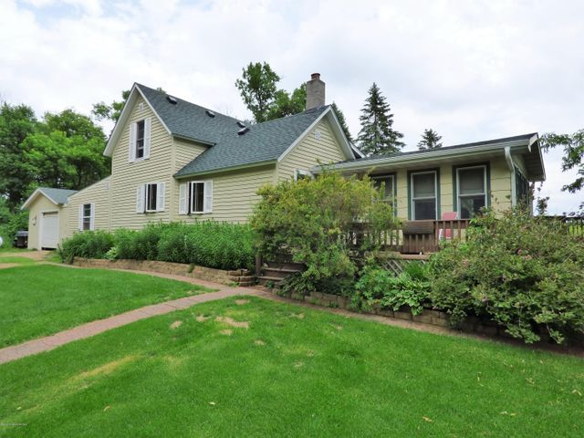 Well Maintained, Charming Country Home with 40 Acres