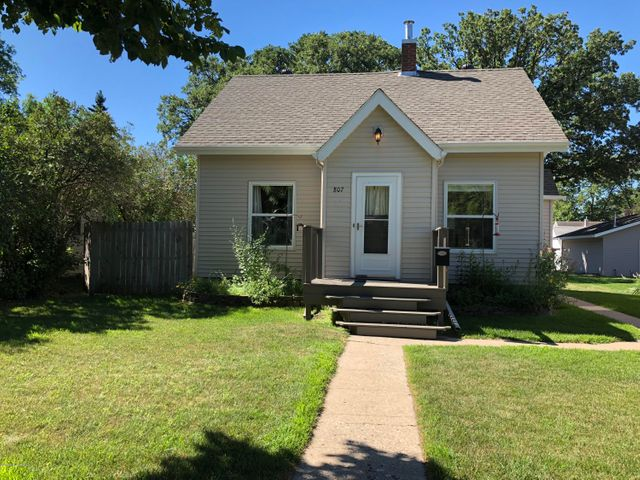 807 W Summit Avenue, Fergus Falls, MN 56537