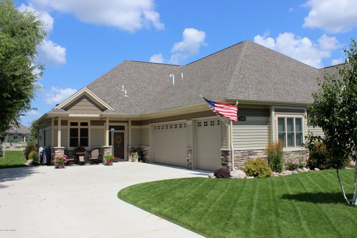 1904 Bridgeview Boulevard, Detroit Lakes, MN 56501