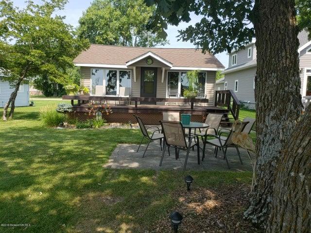 51789 Grobe Beach Road, Detroit Lakes, MN 56501
