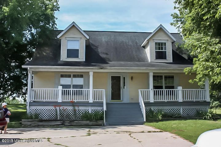 Priced Below market value for quick sale! Enjoy Bodigheimer Lake Cape Cod Style year round home. 4 Bedroom/4bath(Main floor master, informal dining, breakfast bar, 30x45 detached garage great for toy storage.