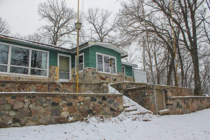 15551 Blackhawk Road, Lake Park, MN 56554