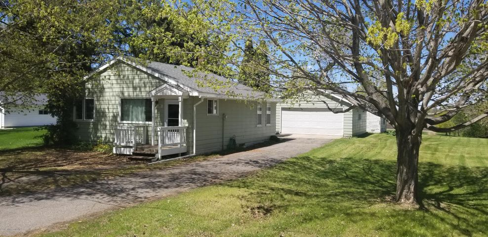 215 Oak Avenue E, Underwood, MN 56586