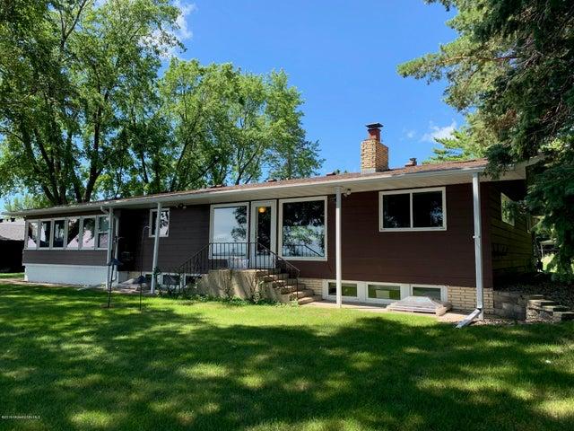 736 Shorewood Drive, Detroit Lakes, MN 56501
