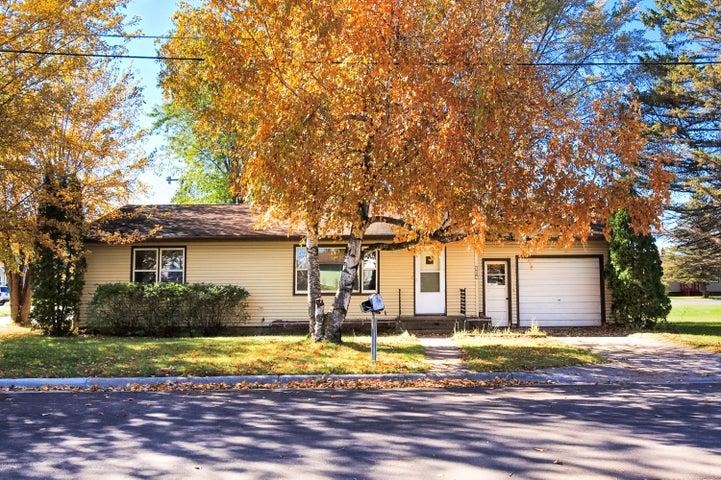 116 Oak Avenue E, Frazee, MN 56544