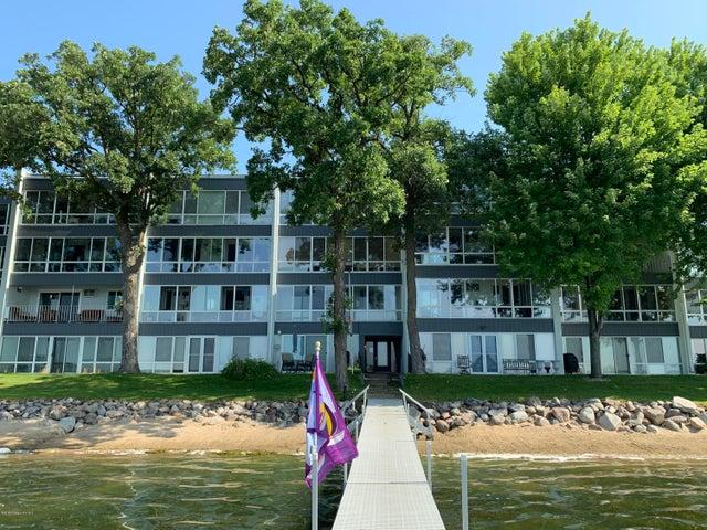 315 Park Lake Boulevard, #411, Detroit Lakes, MN 56501