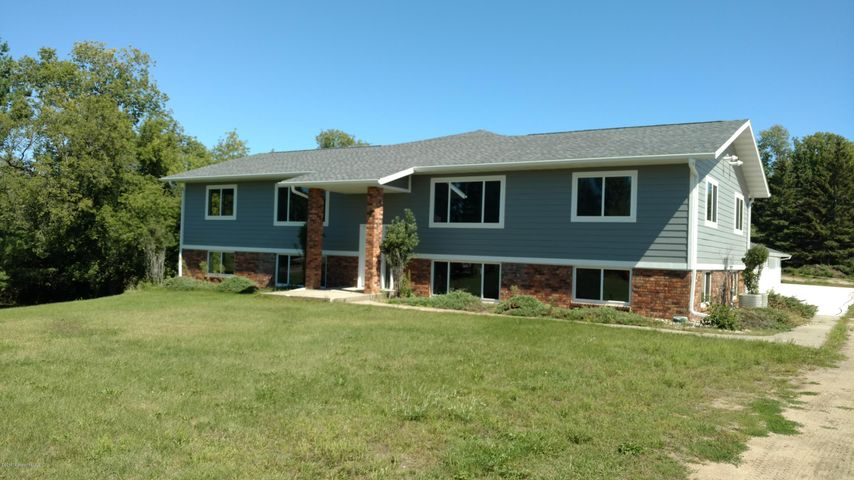 1291 Highland Drive, Detroit Lakes, MN 56501