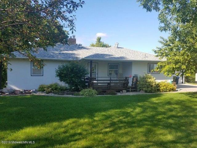 131 E St Charles Avenue, Fergus Falls, MN 56537