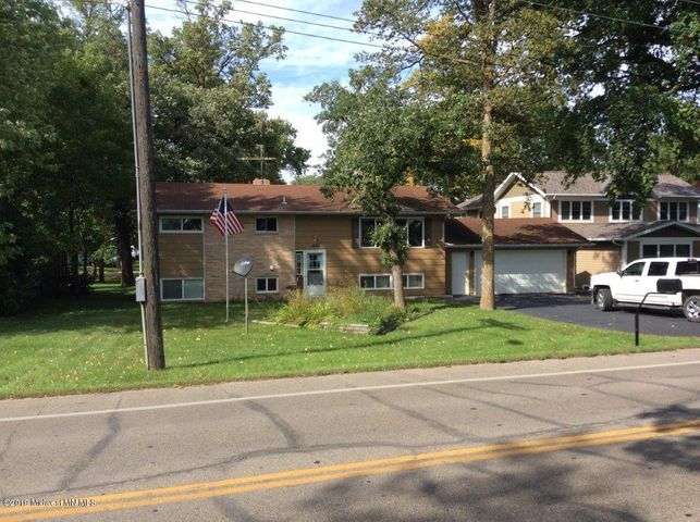 1026 W Lake Drive, Detroit Lakes, MN 56501