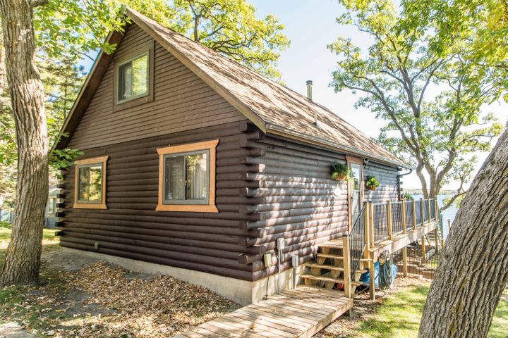 37952 Eagle Lake Loop, Battle Lake, MN 56515