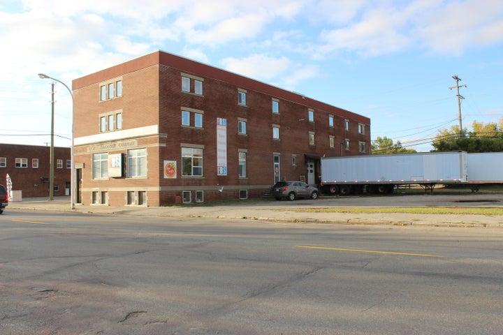 205 E Lincoln Avenue, Fergus Falls, MN 56537