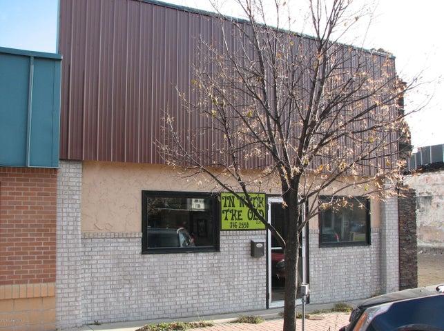 139 1st Avenue S, Perham, MN 56573