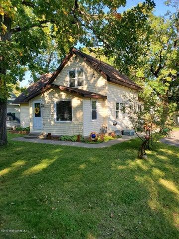 1131 Woodrow Avenue, Detroit Lakes, MN 56501