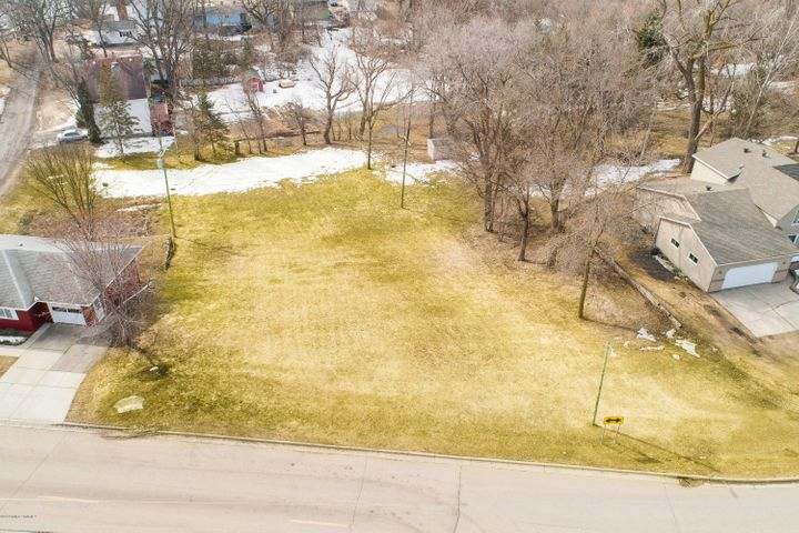 1104 E Mt Faith Avenue, Fergus Falls, MN 56537