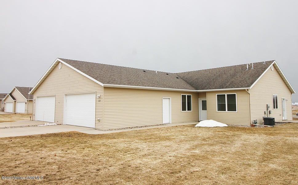 208 Prairie Court, Fergus Falls, MN 56537