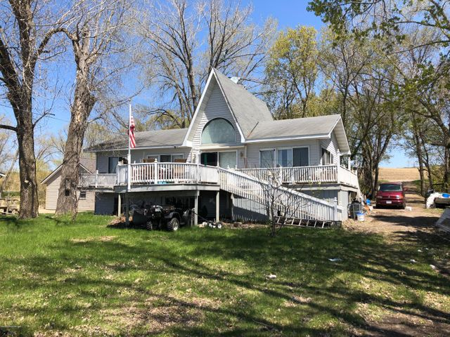 14715 E Eagle Lake Road, Battle Lake, MN 56515