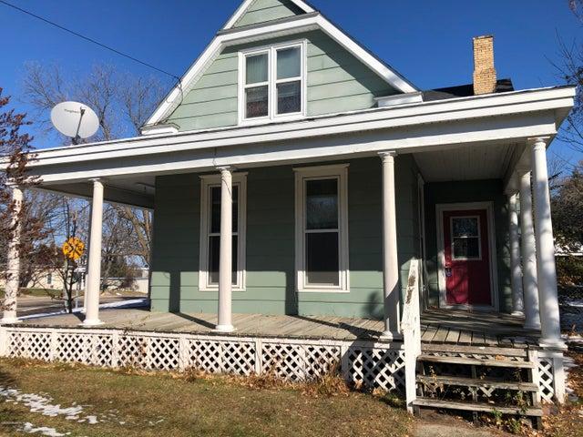 101 E Maple Avenue, Frazee, MN 56544
